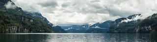 Bewoelktes Wetter bei Brunnen am Urnersee - Teilpanorama (Lake Lucerne, Switzerland)