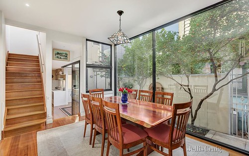 384 Drummond St, Carlton VIC 3053