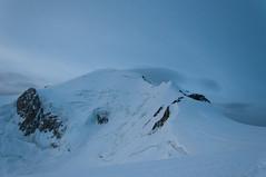 Montblanc (faltimiras) Tags: france montblanc grand mullets gouter dome bosson alpinism alpinismo alpinisme glaciar glacier midi aguille sunrise refugi refuge chamonix