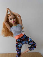 "DSCN6998 Barbie ""made to move"" (Madoe.) Tags: barbie madetomove mattel doll muñeca neysa"