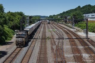 8-Track Signal Bridge