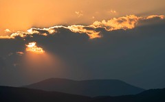 Sunset (alexanderferdinand) Tags: wolken goldenestunde canoneos1dxmarkii clouds sunset sonnenuntergang goldenhour moody abendstimmung