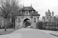 Kloster Knechtsteden (ARTUS8) Tags: kirche wegstrase flickr nikond800 nikon28300mmf3556 blackwhite schwarzweis
