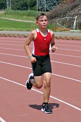 Focused (Cavabienmerci) Tags: triathlon triathlete triathletes sempachersee nottwil 2018 switzerland suisse schweiz kid child children boy boys run race runner runners lauf laufen läufer course à pied sport sports running