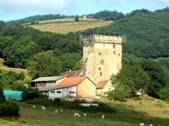 Charmoy (71) : Tour du Bost (odile.cognard.guinot) Tags: charmoy saôneetloire 71 bourgogne bourgognefranchecomté tourdubost 14esiècle