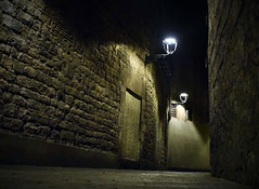 Gothic light /Luz gótica (PURIFM) Tags: night light street barcelona nikon