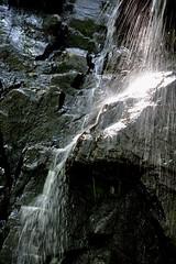 Parc des 7 Chutes, St-Zénon, Québec. (nicoleforget) Tags: chute eau roches