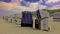 Strandkorb - Beach 'n Chairs (elcatic) Tags: strandkorb strand ostsee balticsea beachchairs sky clouds wolken himmel