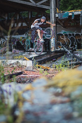 Maggi - Nohand (MichaelBmxking) Tags: canon 2470mm 85mm 5dmk3 5dmkiii elinchrom elb 400 elb400 skyport hs flash berlin germany neukölln blub badeparadie swimming pool abandoned place ruin burned down grenzallee bmx maggi tricks outdoor outdoors concrete grafitti sports youth fun sun summer summertime jam jamming joy autumn bikes