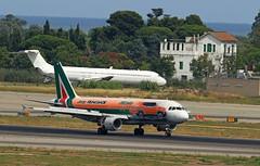Alitalia / Airbus A320-216 / EI-DSW (vic_206) Tags: alitalia airbusa320216 eidsw bcn lebl jeeprenegadelivery explore