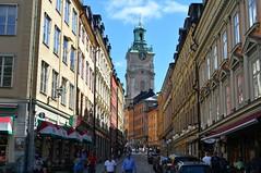 Stoccolma, la Storkyrkobrinken verso la Cattedrale (Valerio_D) Tags: stoccolma stockholm svezia sverige sweden 2017estate gamlastan 1001nights 1001nightsmagiccity