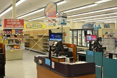 Safeway Royal Oak - Kingsway, Burnaby, BC (FFWoodycooks) Tags: kingsway checkout blue jays grocery store supermarket british columbia