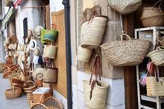 Botigues de ràfia, Gata de Gorgos, Alacant, Comunitat Valenciana (MARIA ROSA FERRE) Tags: gatadegorgos alacant botiguesderàfia comunitatvalenciana