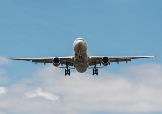 EGLL - Airbus A330 - Virgin Atlantic - G-VUFO / Lady Stardust