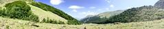 """""""En otro mundo"""" (atempviatja) Tags: valledearán valld'arán montaña paseo naturaleza cielo nubes campo paisaje"""