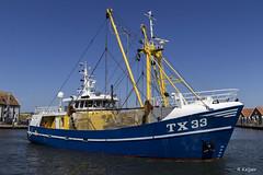 TX 33 in het blauw (Romar Keijser) Tags: tx33 tx 33 kotter garnalen garnalenkotter texel oudeschild haven blauw