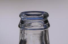 Time for a soft drink (eric zijn fotoos) Tags: holland macro tabletop sonyrx10m3 nederland noordholland fles bottle minimalism minimalistisch