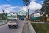 Entrada Este (Calle del Buenviaje) a la plaza del mercado campesino | East access to Farmer's Market (lezumbalaberenjena) Tags: lezumbalaberenjena villas villa clara santa cuba 2018 capiro catalina sandino barrio reparto