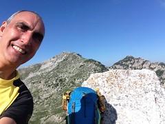 30/06/2018 - Cima Est di Passo Cavuto (2002 m), Parco Nazionale d'Abruzzo, Lazio e Molise (riky.prof) Tags: rikyprof escursionismo trekking hiking senderismo wanderung wanderungen walking montagna montagne mountain mountains mountaineering montaña montañas berg italia italy italien outdoor all'aperto sport hike hikes hiker hiked mountaineer mountaineers parconazionaledabruzzolazioemolise parconazionaleabruzzo parcoabruzzo pnalm civitellaalfedena montesterpidalto cimaestdipassocavuto lagodibarrea abruzzo