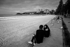 Manly Beach, Sydney, winter 2018  #633 (lynnb's snaps) Tags: 2018 35mm apx100 cv21mmf4ltm leicaiiic xtol bw film street people manly leicafilmphotography winter agfaapx100 kodakxtoldeveloper blackandwhite bianconegro bianconero blackwhite biancoenero noiretblanc schwarzweis monochrome ishootfilm sydney australia beach manlybeach love couple boy girl affection ©copyright2018lynnburdekin ©copyrightlynnburdekinallrightsreserved