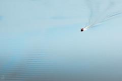 Ondulations (Nibor Jiher) Tags: auvergne bateau eau france lesfades liquide mécanique puydedôme barque barques bateaux liquides méca