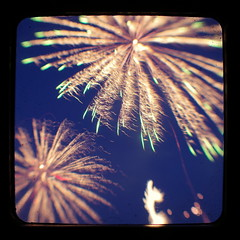 Fireworks (Area Bridges) Tags: fireworks 4th july summer fourthofjuly 2018 201807 20180704 ttv milford milfordct connecticut pentax pentaxk1 night kodak duaflex duaflexiv lego legottvcontraption