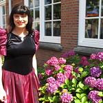 Flower girl thumbnail