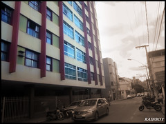 """""""Downtown in old style..."""" (Guilherme Alex) Tags: city downtown center cityscape citylife cityday citycenter citizen people calm morning oldstyle urbanization urban tower house building buildings sky clouds skyscrapers high angle composition car fast running bike motorcycle traffic park lines pole wheels samsung dv100 digitalcamera exploring teófilootoni minasgerais brazil brasil mylife mycity myworld daybyday cloudyday cloud criative cutout blackandwhite sepia"""