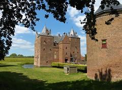 Loevestein Castle - Slot Loevestein (joeke pieters) Tags: 1410369 panasonicdmcfz150 vestingdriehoek slotloevestein loevesteincastle kasteel castle schloss wasserschloss gelderland nederland netherlands holland