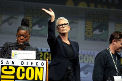 Yvette Nicole Brown & Jamie Lee Curtis (Gage Skidmore) Tags: jamie lee curtis yvette nicole brown halloween san diego comic con international 2018 convention center california