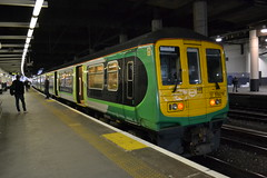 London Northwestern 319216 (Will Swain) Tags: london euston station ready work 1705 milton keynes central 16th march 2018 lm northwestern 319 class greater capital city south east train trains rail railway railways transport travel uk britain vehicle vehicles country england english 319216 216