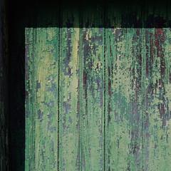 barn door (jtr27) Tags: dscf9706 jtr27 fuji fujifilm xe2s xtrans vivitar komine 55mm f28 macro manualfocus minolta mdmount srmount green barn shed door peeling paint casco maine newengland abstract square