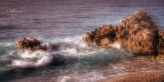 (344/18) un sueño (Pablo Arias) Tags: pabloarias photoshop photomatix capturenxd españa agua mar mediterráneo largaexposición flou ola roca playa arena villajoyosa alicante