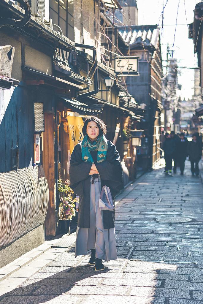 walking around kyoto in kimono-1-20
