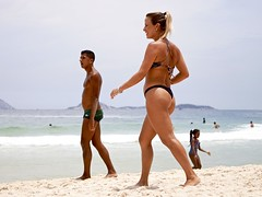Arpoador beach (a l o b o s) Tags: footvolley sport futbol ball sand arena girl garota cute friends boys guys nice beautiful sunga water beach playa funny enjoying rio de janeiro brasil brazil have fun outdoors candid brazilian brasileño futevolei 2016