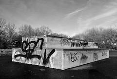 Skaterbahn (6) / Skateboarding course (6) (Lichtabfall) Tags: sw bw blackandwhite buchholzidn buchholz skateboard monochrom monochrome einfarbig schwarzweiss skaterbahn