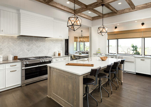 Beautiful kitchen in new luxury home - Credit to https://www.lyncconf.com/