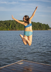 Ady leaping into lake (ken_scar) Tags: clemsonuniversity clemson southcarolina clemsontigers highereducation college collegelife campuslife collegephoto clemsonphoto