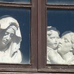 Rossi Alabaster - Piazzetta della Peschiera, Volterra - Alabaster sculptures thumbnail