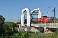 Dordrecht, afvoer Chemours (Ahrend01) Tags: kijfhiek de staart dordrecht chemours ketelwagens db cargo goederentrein wantij brug