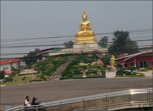 Thailand Highway Temple 20180124_120521 LG