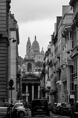 Church at the end of street (Janne Räkköläinen) Tags: paris france tourist streetphotographing streetview streetlife cityview city citylife cityviews church cars buildings blackwhite bnw bw amateur amateurphotography canon6d canonphotography canon ef24105l sacredecoeur montmartre famous worthtovisit travelling may 2018