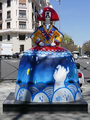 "Menina ""Reyna de Corazones"", por Zeta (Madrid) (Juan Alcor) Tags: zeta reynadecorazones plaza alonsomartinez madrid 2018 exposición meninasmadridgallery menina españa spain meninas"