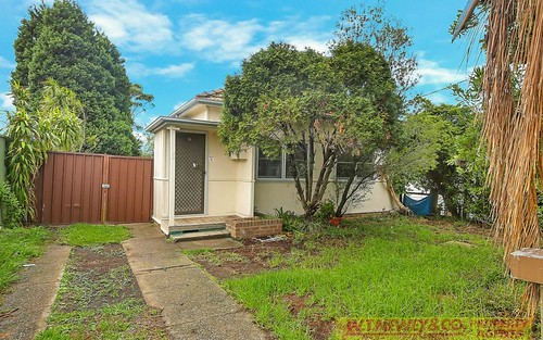 39 Gosling St, Greenacre NSW 2190