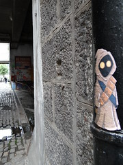 The Watcher (Ian Robin Jackson) Tags: sony aberdeen view angles streetart scotland street