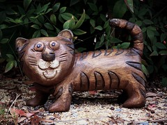 Thailand Cat (Bennilover) Tags: cat thailand madeofwood smileonsaturday smile funny cute wooden