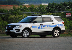 Charlotte Police (Infinity & Beyond Photography) Tags: charlotte mecklenburg northcarolina police ford explorer car cars vehicle vehicles suv