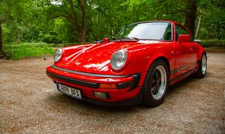 Porsche 911 3.2 Carrera Sport in Guards Red