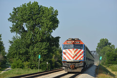 Old Style on The Rock (CN Southwell) Tags: metra f40 f40ph new lenox il illinois