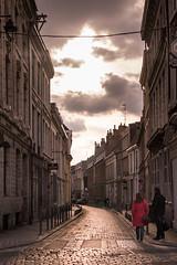 Lille, France (pas le matin) Tags: people gens road rue street candid sky ciel clouds building architecture travel voyage lille france vieuxlille ruedangleterre europe europa pavés cobblestones world canon 7d canon7d canoneos7d eos7d